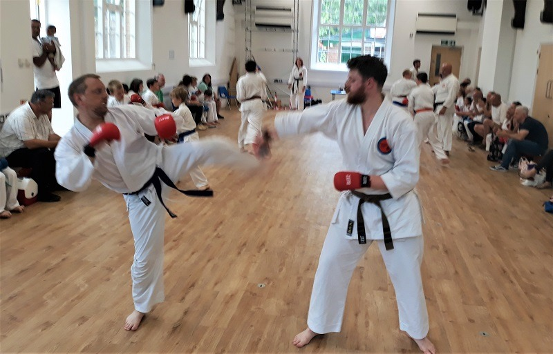 Meadvale karate sparing